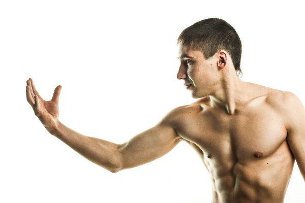 Peut-on se muscler sans accessoires et avec un régime hypercalorique ?